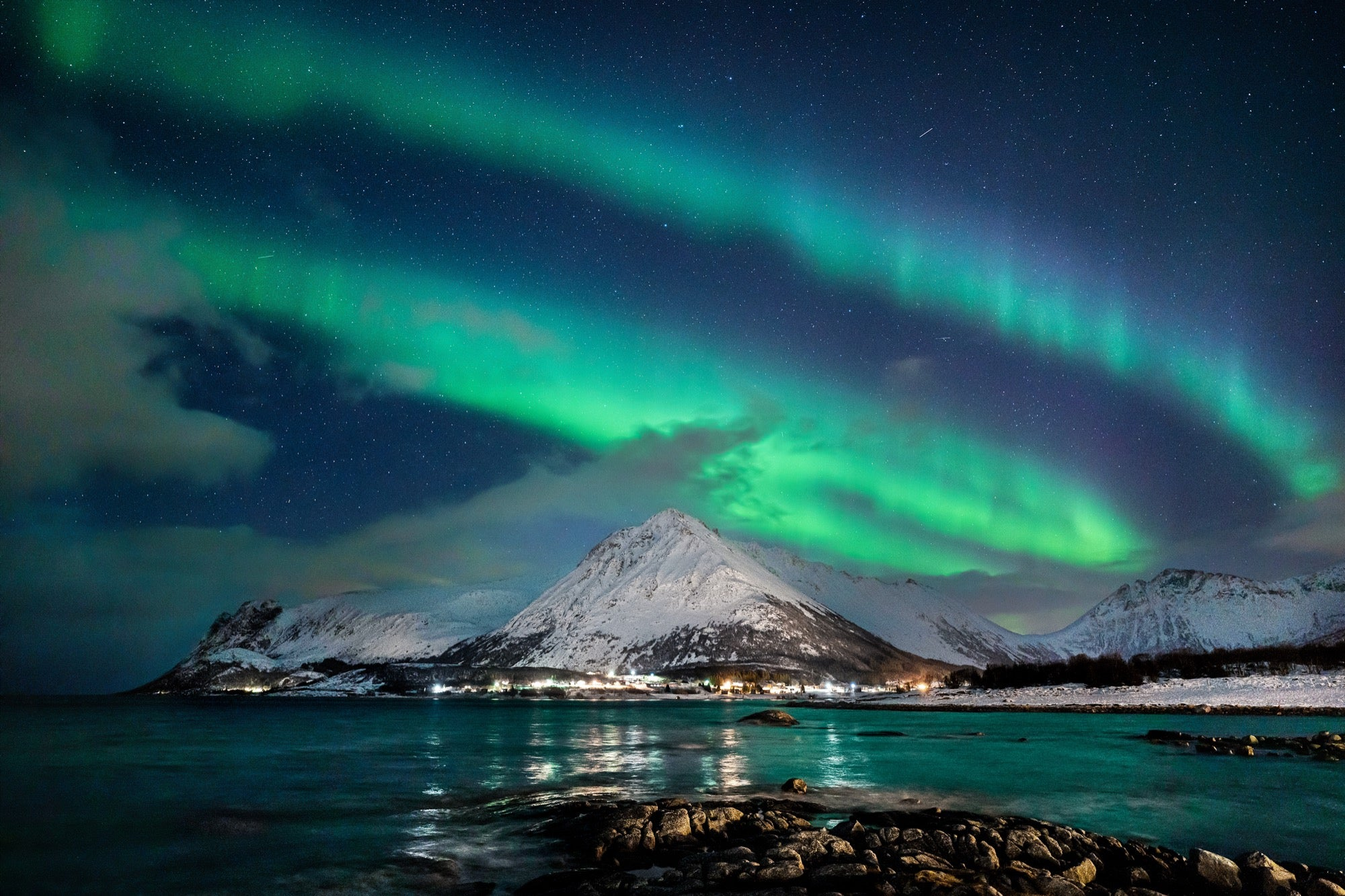 Alpha-Universe-Auroras-20mm-F18-G-photo-by-Autumn-Schrock-autumnschrock_aurora_landscape.jpg