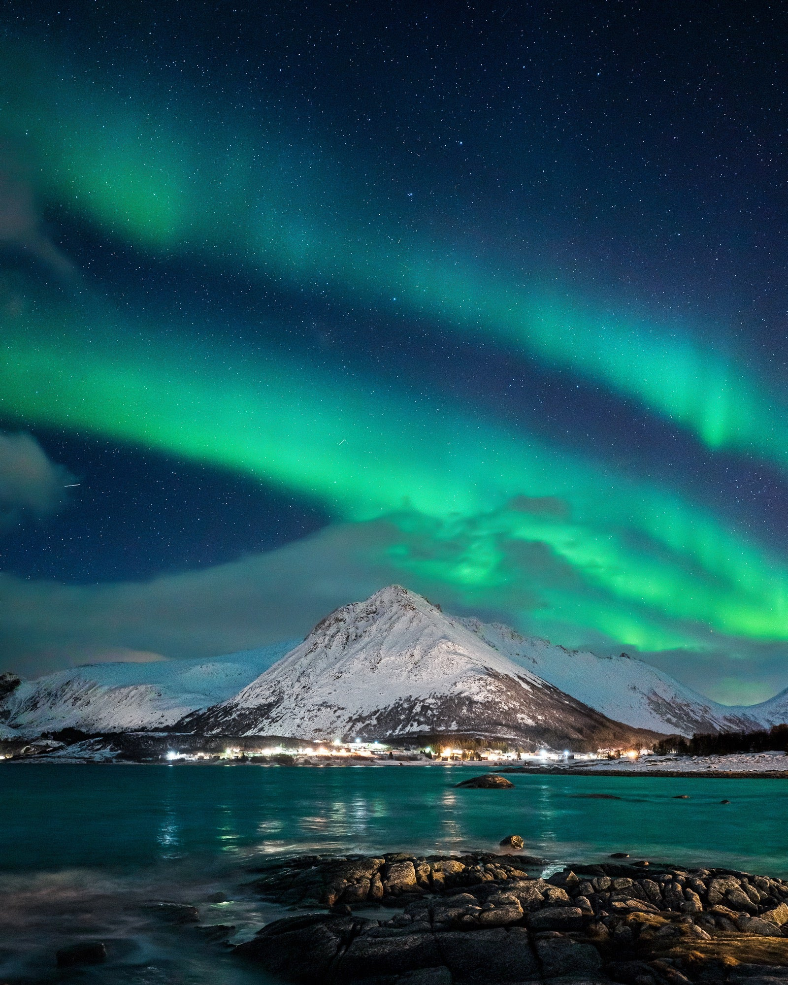 Alpha-Universe-Auroras-20mm-F18-G-photo-by-Autumn-Schrock-autumnschrock_aurora_portrait.jpg