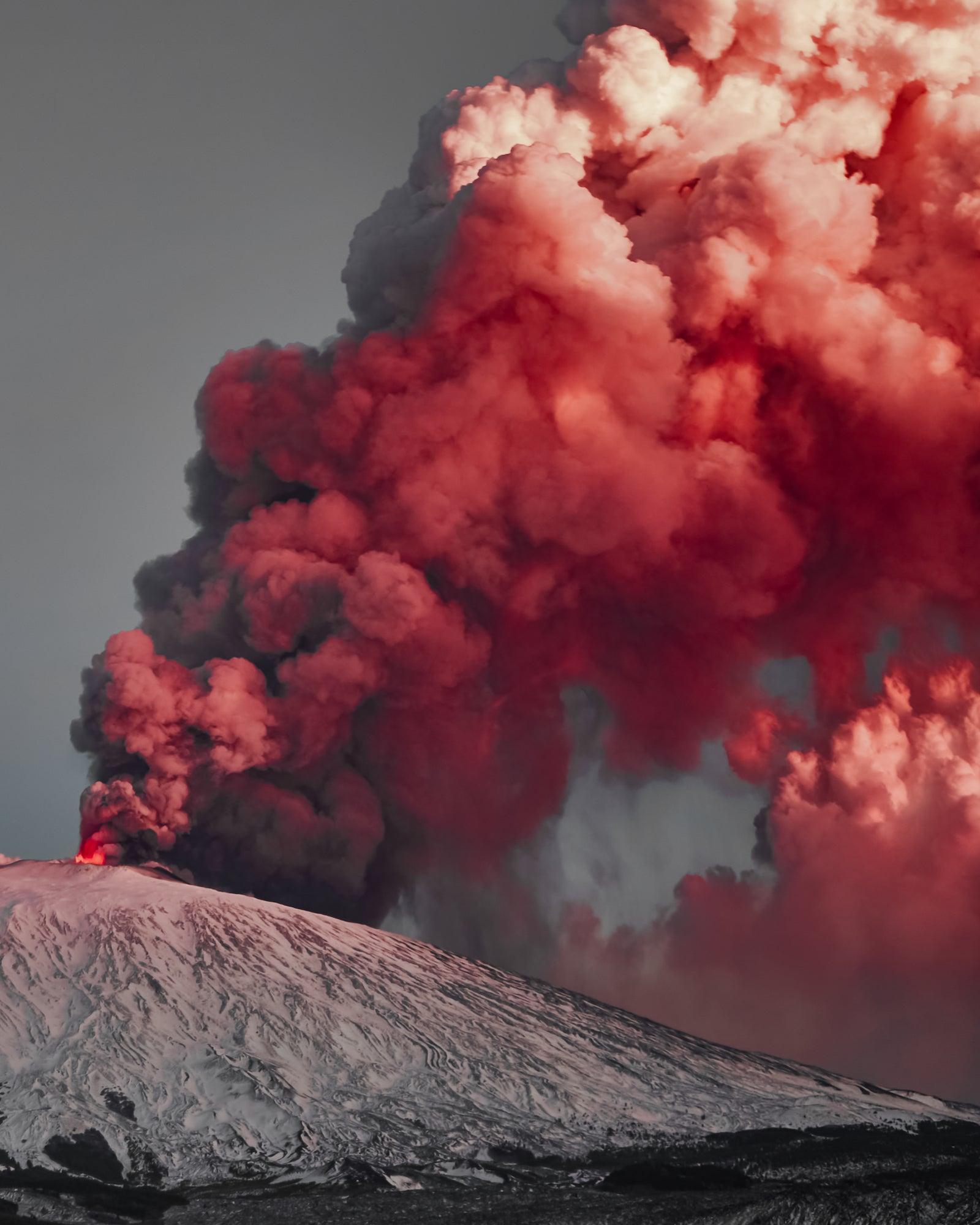 Alpha-Universe-BTS-Simone-Capace-Etna-Eruption-1.jpg
