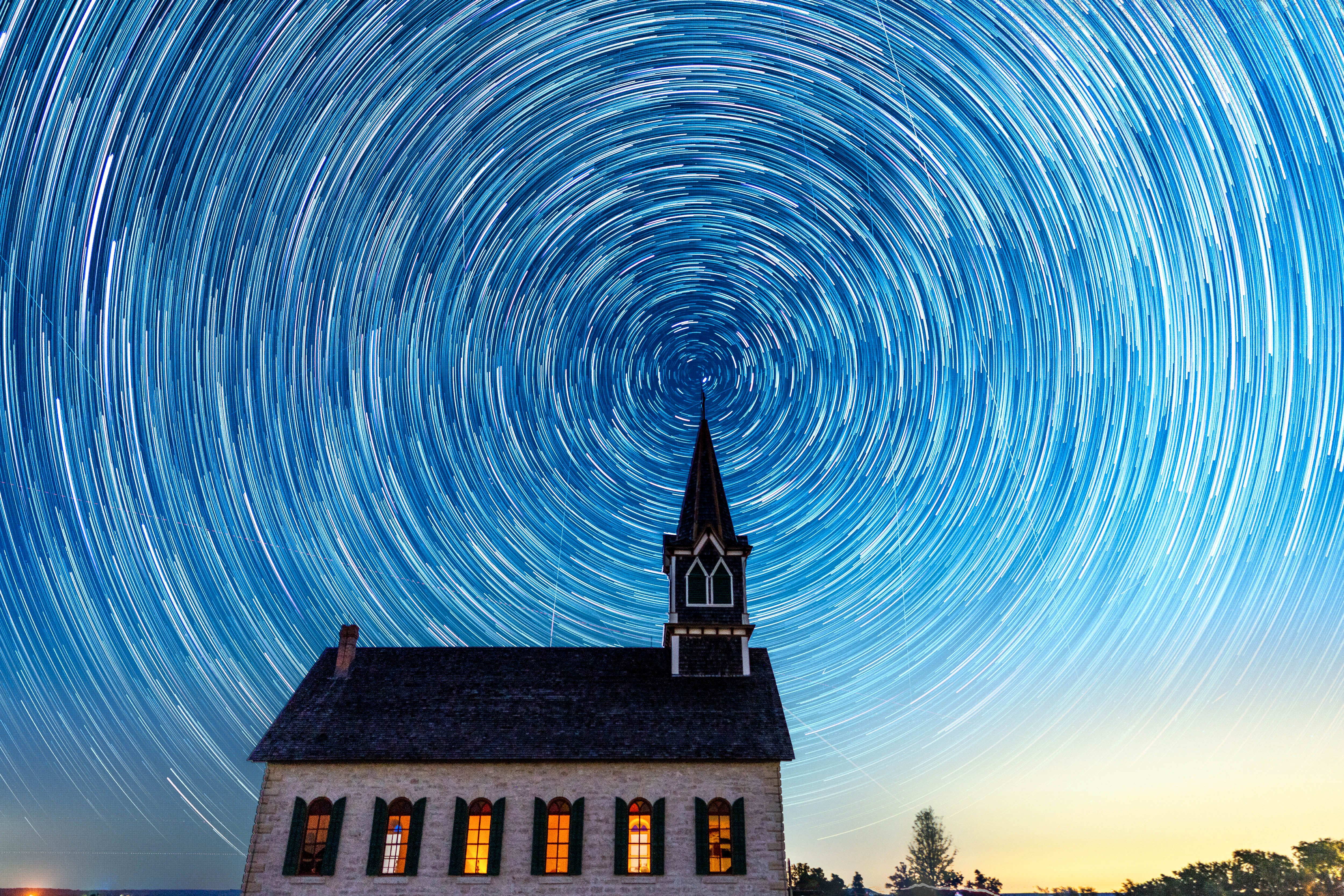 Alpha-Universe-Behind-The-Shot-Andy-Luten-Star-Trail.jpg