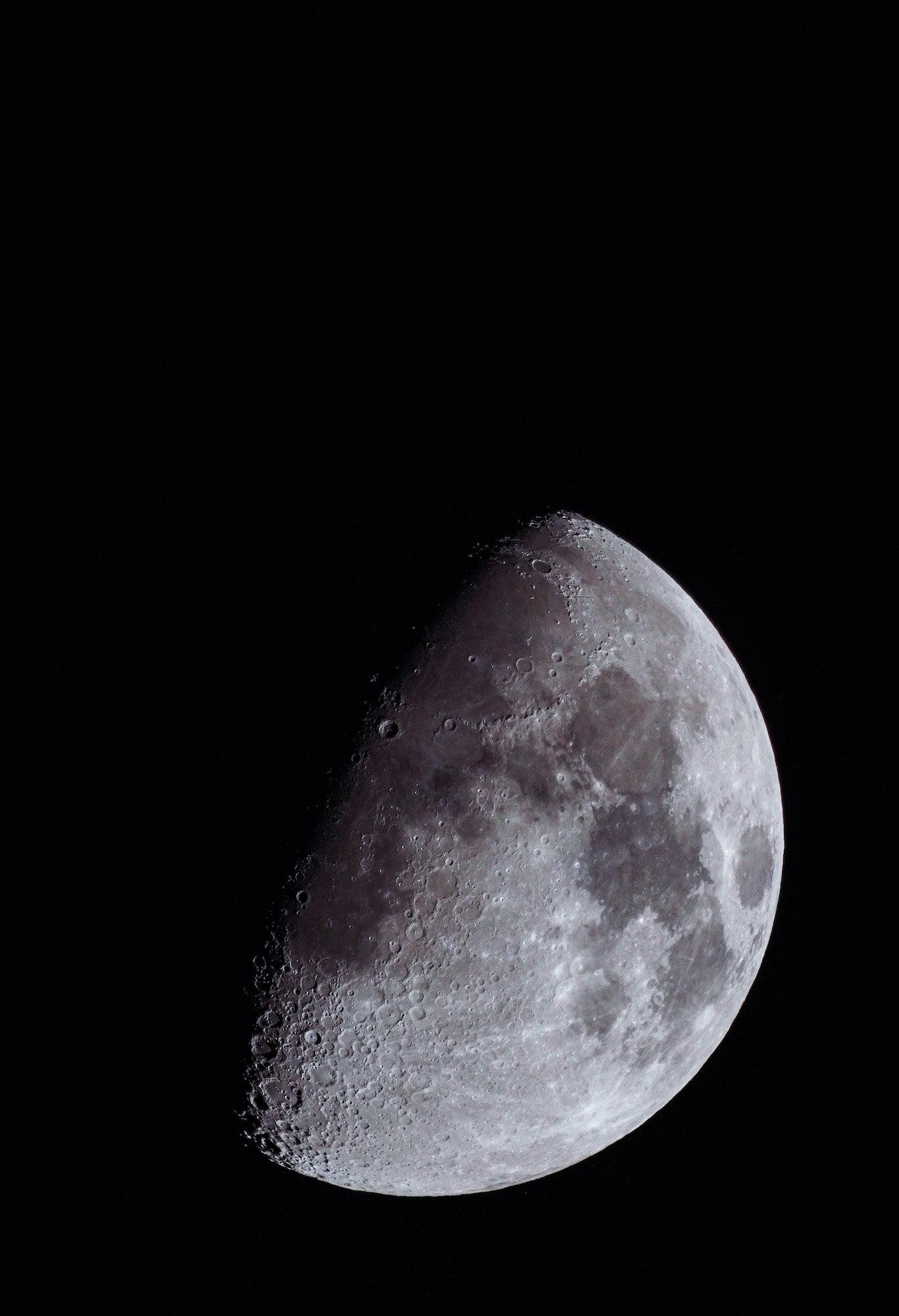 Alpha-Universe-Gina-Danza-Moon-200600-2.JPG