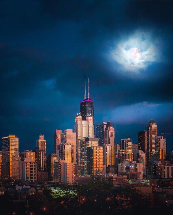 Alpha-Universe-IG-Follow-Friday-Mike-Meyers-Cityscape-1.jpg