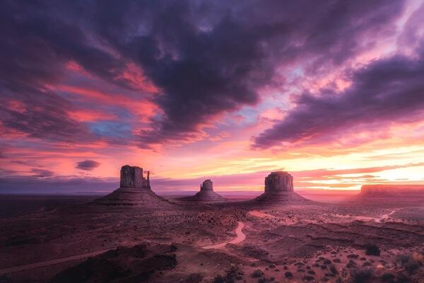 Alpha-Universe-Mike-Meyers--landscape_three_buttes_insane_sunrise_F3.jpg