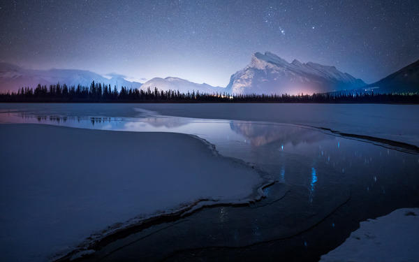 Alpha-Universe-Rachel-Jones-Ross-Vermillion-Lakes.jpg