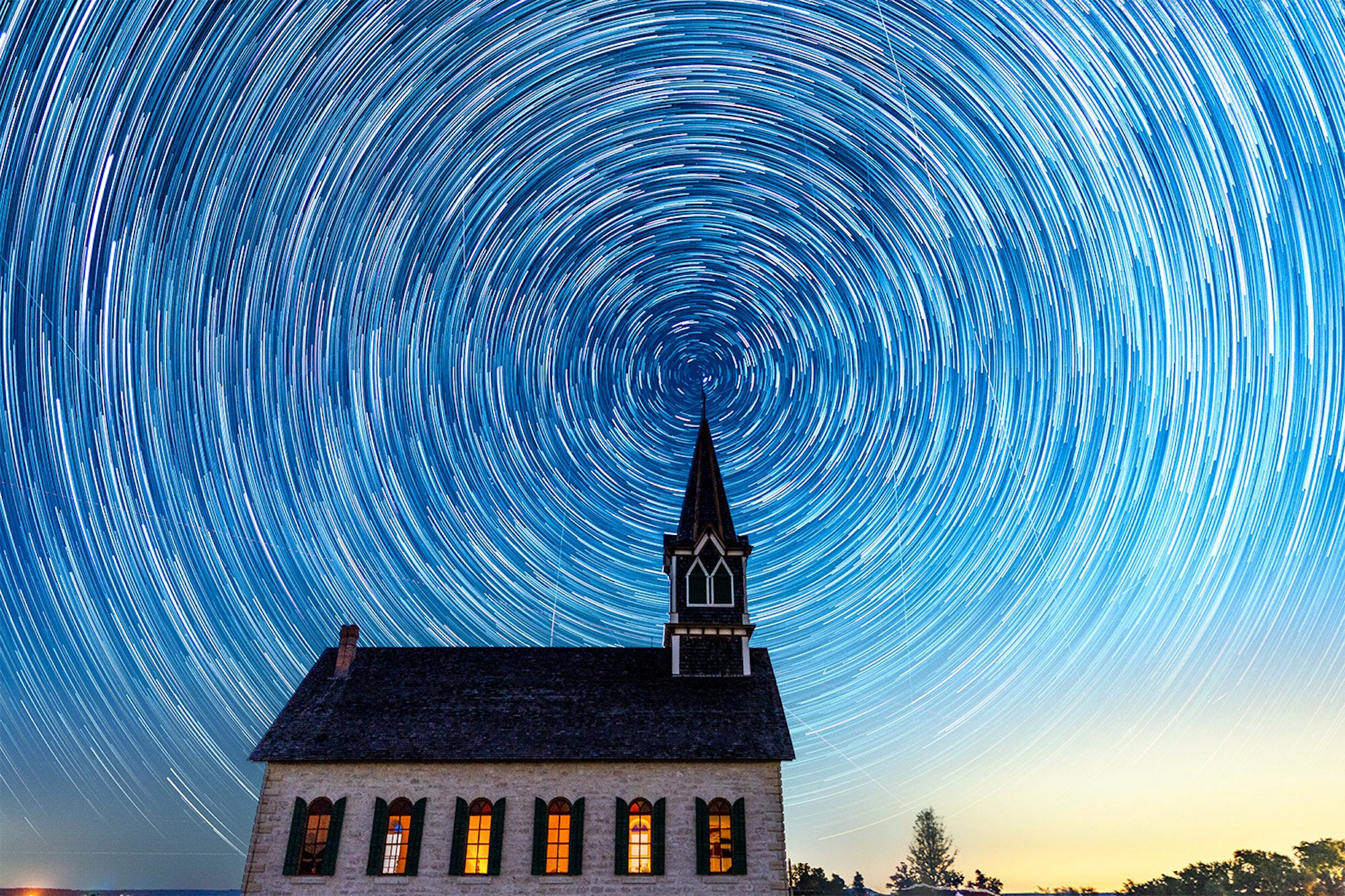 Alpha-Universe-WIMB-Andy-Luten-rock-church-star-trails.jpg