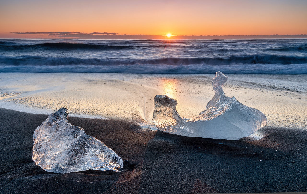 Alpha-Universe-WIMB-Don-Smith-Sony-a9II---Sunrise-at-Diamond-Beach--Iceland-.jpeg