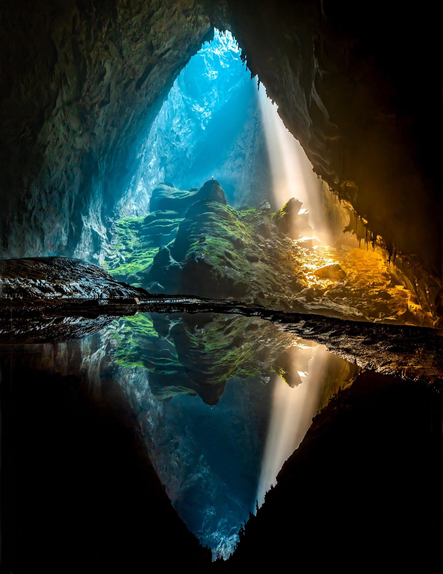Alpha-Universe-Wyatt-Peterson-Cave-Photography-Sony-a7riii-3.jpeg