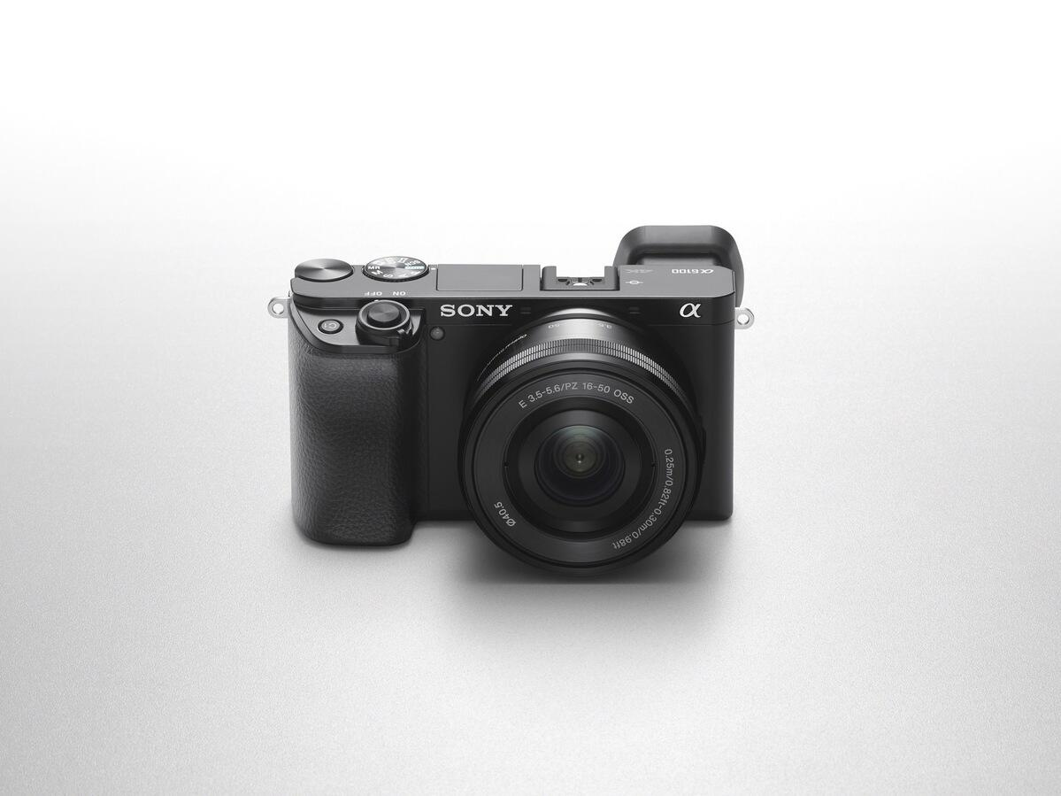 """""""I was nothing but impressed."""" – The Snapchick Reviews The Sony α6100"""