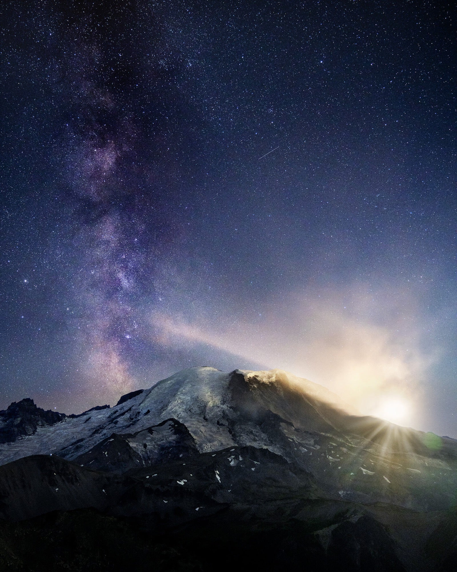 Alpha-Universe-photo-by-Autumn-Schrock-autpops-autumnschrock_rainier_moon_mw.jpg