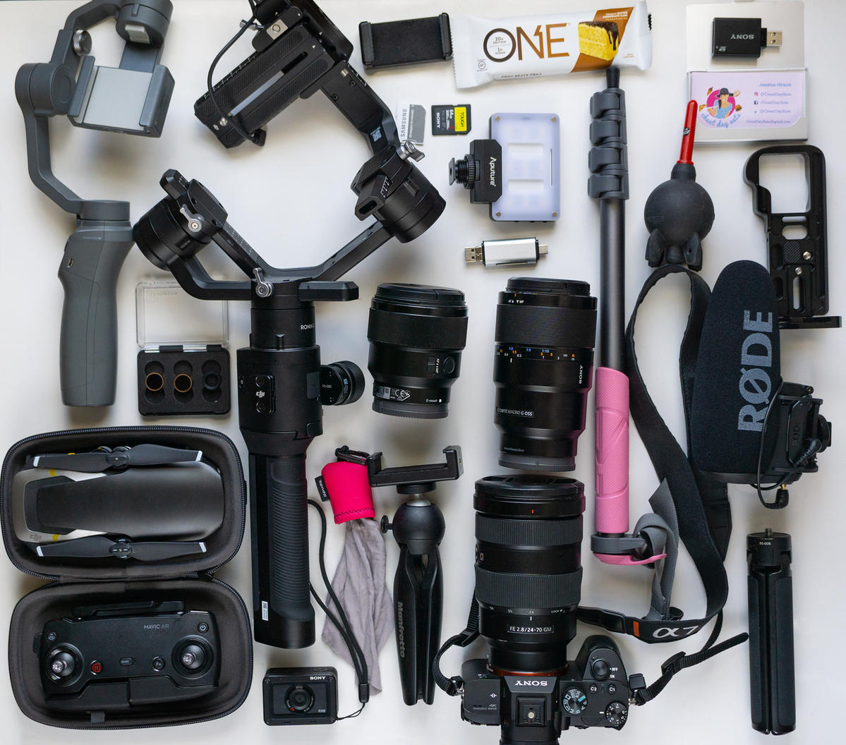 What's In My Bag: Jessica Hirsch's (@cheatdayeats) Kit For Standout Food Photos & Videos