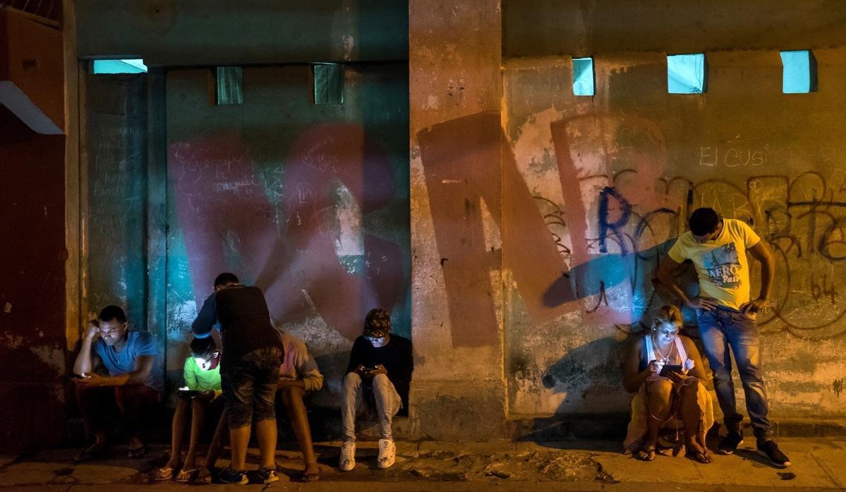 Low Light Mirrorless Is Changing Photojournalism