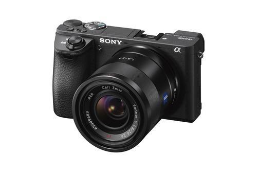 Sony annonce une mise à niveau du microprogramme de sa caméra α6500