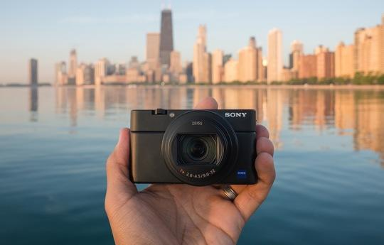 RX100-In-Hand-1.jpg