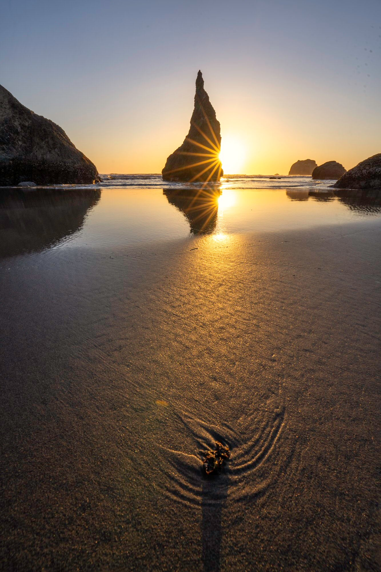 Sony-Alpha-Universe-Photo-by-Don-Smith-14mm-GM-Sun-Star-and-Wizards-Hat-Bandon-Beach.jpeg