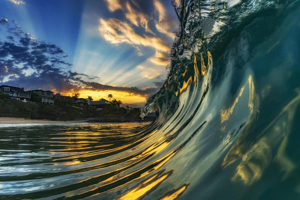 stan-moniz-wave-bealpha.jpg